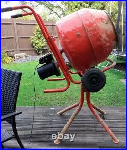 150 240V Electric Concrete Cement Mixer Barely used